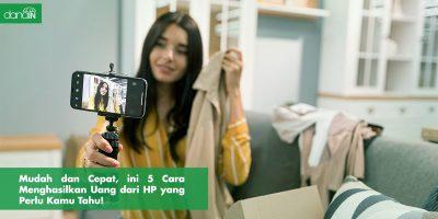 Danain-cara_menghasilkan_uang_dari_hp-gambar orang selfie