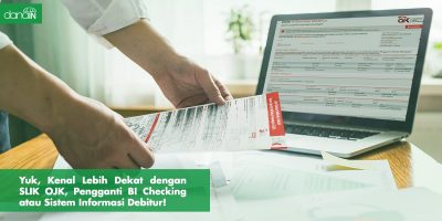 Danain-penjelasan_slik_ojk-gambar orang memegang dokumen